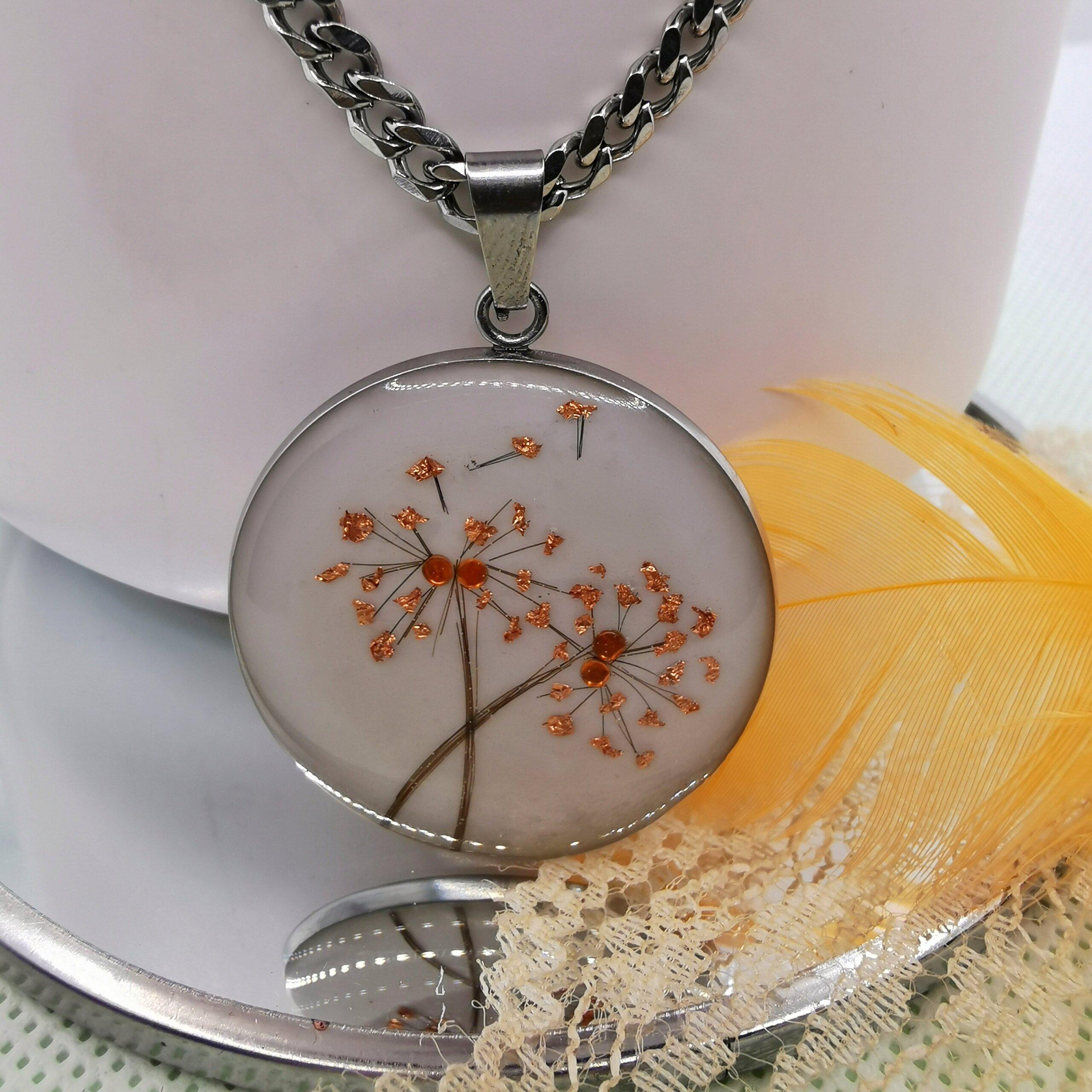Medaillon mit Löwenzahn Pusteblume
